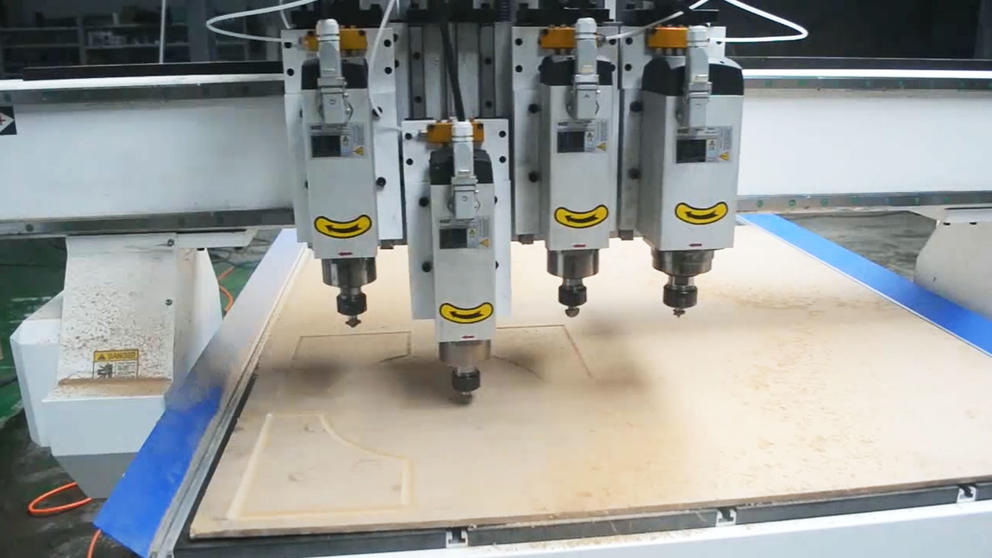 4 Heads CNC Wood Cylinder Carving Engraving Machine